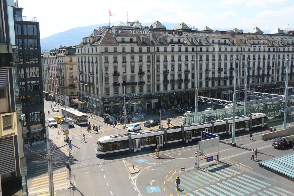 Place de Cornavin 14, CH-1201 Genève, Eye Designer